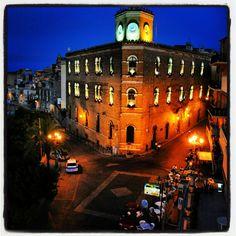 Butera. Sicilia   #TuscanyAgriturismoGiratola Sicily Italy, San Francisco Ferry, To Go, Dreams, Explore, Mansions, House Styles, Building, Places