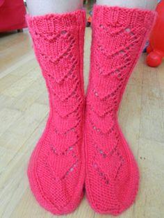 Estetiina: Kun pakkastaa, sydämet lämmittää. Knitting Socks, Fashion, Knit Socks, Moda, Fashion Styles, Fashion Illustrations