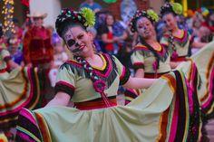 Grandeza Mexicana Folk Ballet at the Autry's ¡Vivan Los Muertos! Mexico Culture, Folk Dance, Joan Miro, Folklore, Language, Ballet, People, Ideas, Fashion