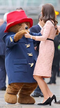 The Duchess proved she has rhythm as she boogied with the bear in front of amused onlookers