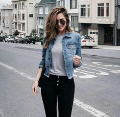 52 Ideas For Womens Fashion Outfits Casual Jeans Denim Jackets Cropped Denim Jacket Outfit, Outfit Jeans, Denim Jacket Outfit Winter, Winter Outfits, Casual Outfits, Cute Outfits, Casual Jeans, Look Fashion, Fashion Outfits