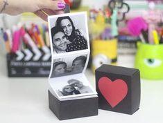 DIY Dia dos Namorados: Caixinha com Fotos. O Dia dos Namorados está chegando e eu preparei um DIY de uma Caixinha com Fotos muito linda para você presentear quem ama. Você pode usar uma caixinha pro