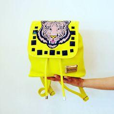 La elegida del día de hoy! Encontra en #Olivetta #Mochila #Moda  #ParaEllas #Look #compras #regalos