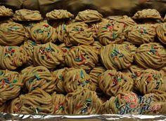 Nejlepší recepty na pudinkové cukroví   NejRecept.cz Best Christmas Cookies, Square Cakes, Crinkles, Beautiful Christmas, Cookie Recipes, Almond, Stuffed Mushrooms, Vegetarian, Nutella
