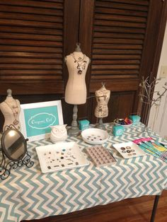 Origami Owl Jewelry bar display #origamiowl