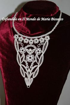 modern Duchesse bobbin lace
