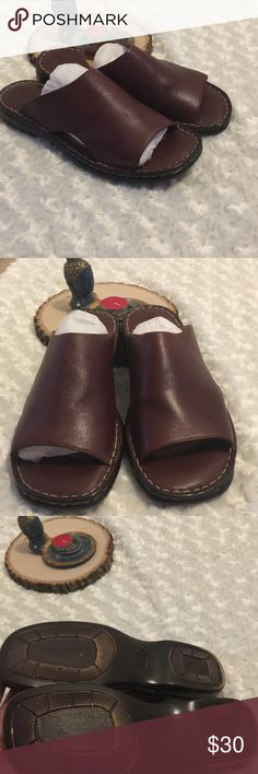 BORN Brown Leather Slides Open Toe Sandals SZ 10 Born open toe leather sandals. Pre owned condition with gently used with no flaws. Genuine leather upper and linings. Unisex sandal size 10 M/W Born Shoes Sandals