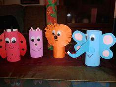 Animales con el tubo del papel higienico
