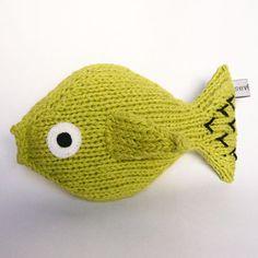 Severina Kids - Pez Verde Tejido a mano en 100% algodón, relleno 80% polyester del reciclaje de botellas Pet.