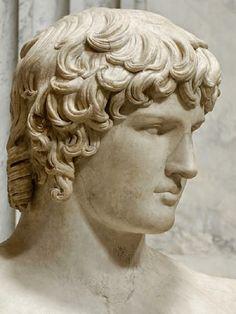 Keisari Hadrianus, 117-138 jKr, on yksi monisärmäisimmistä Rooman keisareista. Hän oli erittäin älykäs , hän pystyi väittelemään aikansa merkittävämpien oppineiden kanssa, hän oli kiinnostunut arkk...