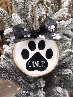 Dog Ornaments, Ornament Crafts, Diy Christmas Ornaments, Diy Christmas Gifts, Winter Christmas, Personalized Christmas Ornaments, Handmade Christmas, Holiday Crafts, Christmas Time