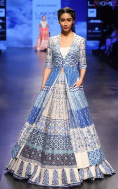 Ideas fashion week summer haute couture for 2019 Lakme Fashion Week, India Fashion, Asian Fashion, Fashion Weeks, Indian Attire, Indian Ethnic Wear, Indian Outfits, Lehenga Designs, Indie Mode