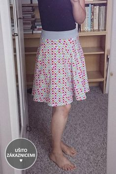 Sewing Ideas, Floral, Skirts, Fashion, Moda, Fashion Styles, Flowers, Skirt