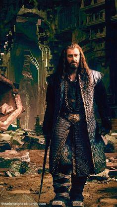 Thorin Oakenshield looking every bit the dwarven king.