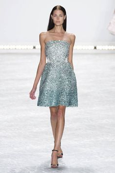 66659262a3d7 Monique Lhuillier Spring 2015 Ready-to-Wear Collection