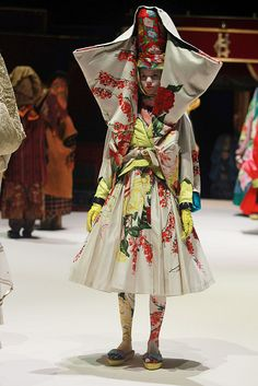 2011 Spring Paris Fashion Week: Kenzo
