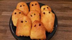 Halloween: Topfengeister Muffin, Bread, Halloween, Breakfast, Food, Pies, Food Food, Recipies, Morning Coffee