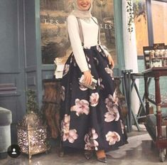 puffy volume skirt hijab- Maxi jupes chic hijab http://www.justtrendygirls.com/maxi-jupes-chic-hijab/