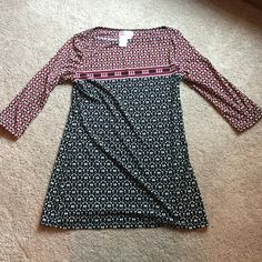 MSSP 3/4 Sleeve Top Worn Once. In Excellent Condition. 95% Polyester. 5% Spandex. Max Studio Tops
