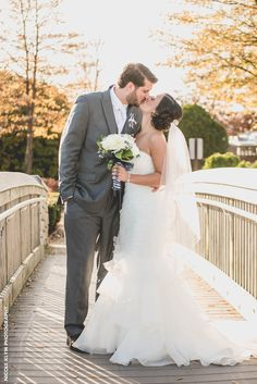 Michelle   David had a perfect fall day in November for their wedding.