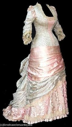 Victorian Gown - late early I like the pale colors and skirt draping. 1870s Fashion, Edwardian Fashion, Vintage Fashion, French Fashion, European Fashion, Vintage Gowns, Mode Vintage, Vintage Outfits, Vintage Hats