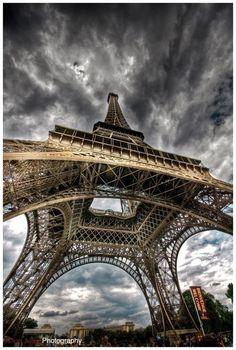 Paris, Tour Eiffel and cloudy sky. Torre Eiffel Paris, Paris Eiffel Tower, Eiffel Towers, Hdr Photography, Amazing Photography, Foto Hdr, Beautiful World, Beautiful Places, Image Paris