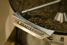 Roasting For Filter Coffee vs. For Espresso - Perfect Daily Grind Pacific Coffee, Coffee Process, Best Coffee Roasters, Need Coffee, Dark Roast, Perfect Cup, Coffee Roasting, Coffee Beans, Espresso Machine