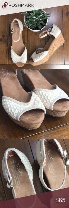 "NWOT|{Toms} Crochet Platform Cork Wedges ❤️ These beauties are sold out online! Absolutely gorgeous and will be the perfect fit for all your outings this spring and summer! The wedge is approx 3"" at its tallest point. Toms Shoes Platforms"