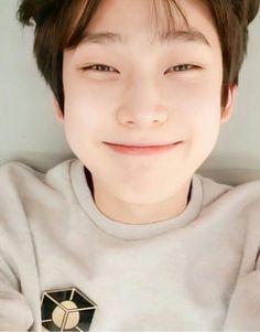 Besties, Fandom Kpop, Wallpaper Animes, Boy Idols, Kim Sun, My Little Baby, Hanbin, Kpop Boy, Kpop Groups