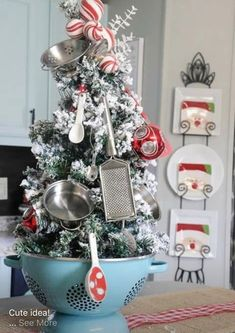 Kitchen christmas tree in a colander farmhouse christmas kitchen, farmhouse christmas ornaments diy, christmas Rustic Christmas Ornaments, Cool Christmas Trees, Farmhouse Christmas Decor, Noel Christmas, Merry Little Christmas, Christmas Projects, Winter Christmas, Holiday Crafts, Ornaments Ideas