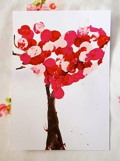 Valentine Tree {Valentine School Crafts} A little paint and a lot of fun are all you need for this fun valentine craft. Valentine Tree, Valentine Day Crafts, Love Valentines, Holiday Crafts, Valentine's Day Crafts For Kids, Toddler Crafts, Crafts To Do, Paper Crafts, Kids Diy