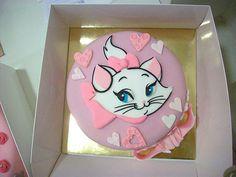Marie cake! via My Darling Rainbow http://mydarlingrainbow.tumblr.com