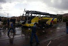 Egitto, esplosione nel Sinai. Kamikaze fa saltare un autobus di turisti coreani. Morti e feriti
