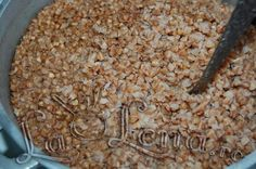 Learn how to make Cracker Jacks with our top-secret recipe from Todd Wilbur. He's created a clone recipe for the popcorn snack using a few simple ingredients. Candy Recipes, Raw Food Recipes, Vegetarian Recipes, Snack Recipes, Cooking Recipes, Healthy Recipes, Healthy Food, Cooking Tips, Top Secret Recipes