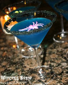 Share the HAPPY. This is one of my favorite drinks year round. Halloween Cocktails, Fun Cocktails, Fun Drinks, Yummy Drinks, Liquor Drinks, Beverage, Mixed Drinks Alcohol, Drinks Alcohol Recipes, Halloween Treats