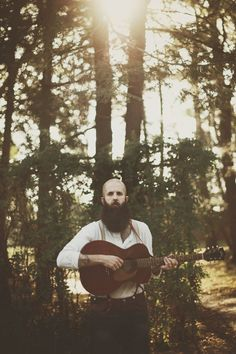 folkyeahwilliamfitzsimmons:  William Fitzsimmons by Erin Brown