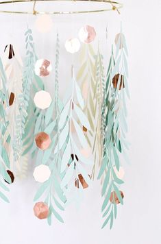 Paper Leaves Chandelier Paper Leaves Chandelier A Peace of Creativity The post Paper Leaves Chandelier appeared first on Paper Diy. Paper Leaves, Paper Flowers, Paper Flower Garlands, Crepe Paper Streamers, Paper Chandelier, Chandelier Creative, Chandelier Fan, Diy Papier, Idee Diy