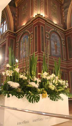 melbourne bloemenshow Altar Flowers, Church Flower Arrangements, Church Flowers, Beautiful Flower Arrangements, Large Flowers, Floral Arrangements, Church Wedding Decorations, Flower Decorations, Florists