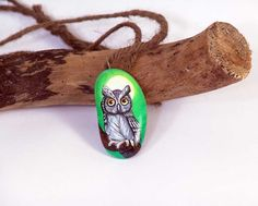 Hand+painted+stone+pendant+with+owl+one+of+a+kind+by+Livingrocks,+€15.00
