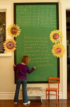 Love the big framed chalkboard - less permanent and less messy than a chalkbaord wall.
