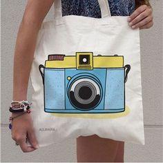Bolsas de tela personalizadas de Fun Choices - Mamidecora Paper Bag Design, Eco Brand, Diy Gifts For Girlfriend, Backpack Outfit, Tote Bags Handmade, Jute Bags, Quilted Bag, Custom Bags, Casual Bags