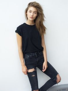 I would wear this. Simple and black. My fave//