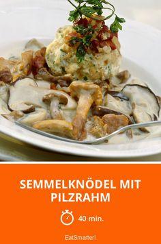 Semmelknödel mit Pilzrahm - 1070 kcal - einfaches Gericht - So gesund ist das Rezept: 7,6/10 | Eine Rezeptidee von EAT SMARTER | Pilze, Klöße, Saucen, Knödel, Mixen #sahnesauce #gesunderezepte Eat Smarter, Chicken, Meat, Food, Porcini Mushrooms, Vegetarian Cooking, Browning, Healthy Food Recipes, Easy Meals