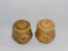Vintage-1968-Regency-Canonsburg-Ironstone-Pottery-Salt-Pepper-Shakers-USA