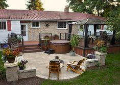 Backyard deck design ideas best decks ideas on patio deck designs with small decks and patios Small Patio Design, Backyard Patio Designs, Backyard Landscaping, Garden Design, Patio Ideas, Deck Patio, Backyard Ideas, Landscaping Ideas, Small Deck Designs