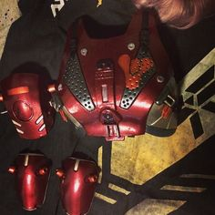 Let's do a little sneak peek if my new Hunter armor. Weathering to be added. Went with a red/orange paint job for this. And the rest of the suit will have a dark brown and different grey tones. Hope you like it! Now to buckle down and get this done! Destiny Costume, Destiny Cosplay, Cosplay Armor, Cosplay Diy, Cosplay Outfits, Best Cosplay, Cosplay Costumes, Cool Costumes, Costume Ideas