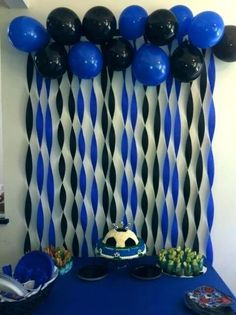 In Soccer Party Decoration you take this idea for the theme of Barcelona and use red and blue balloons and streamers. Add some yellow too! - Decoration For Home Graduation Decorations, Balloon Decorations, Decoration Party, Blue Party Decorations, Graduation Party Ideas High School, Graduation Diy, Crape Paper Decorations, Graduation Table Centerpieces, Graduation Desserts