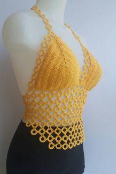 Top Tejidos A Crochet, Crochet Bra, Crochet Woman, Crochet Blouse, Crochet Crafts, Crochet Stitches, Crochet Projects, Crotchet, Crochet Designs