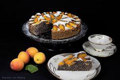 10 kg Marillen zu verarbeiten ist ja gar nicht so einfach 🙂 Sicherlich hätte ich alle zu Marmelade verarbeiten können, doch das ist ja keine Herausforderung für mich. Und so habe ich ein weiteres, wie ich (und meine lieben Testesser) leckeres Rezept kreiert. Mohn und Marille harmonieren ganz gut miteinander. Und so kann ich euch… Der Beitrag Mohn-Marillen-Kuchen erschien zuerst auf Gudrun von Mödling. Ober Und Unterhitze, Dessert, A Food, Panna Cotta, Favorite Recipes, Gudrun, Breakfast, Ethnic Recipes, Donuts