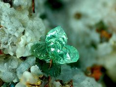 Cuprian Adamite and Smithsonite Minerals And Gemstones, Crystals Minerals, Rocks And Minerals, Stones And Crystals, Barbie Cartoon, Diamond Picture, Mineralogy, Beautiful Rocks, Mineral Stone